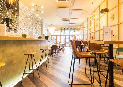 Mérimée, restaurant atypique en plein coeur de Madrid, par Triscaideca, avec MisterWils, décoration vintage, furniture for free souls