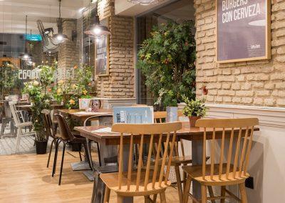 """Relooking de l'emblématique """"Café and Tapas"""" à Séville, par MisterWils, architecture d'intérieur, décoration, vintage, furniture for free souls"""