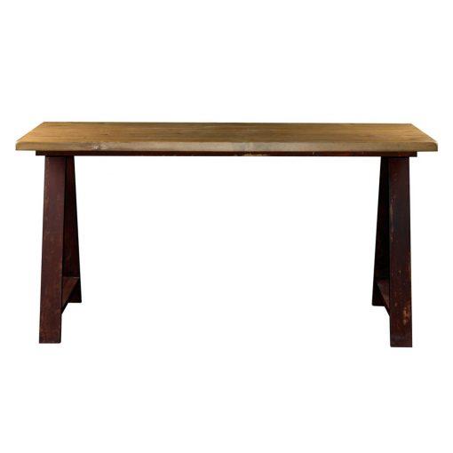 ROAD Élégante table de style industriel. Structure avec chevalets en acier et plateau en bois. Finitions personnalisables. Fabrication sur mesure, disponible en bois neuf effet vieilli ou en bois ancien.