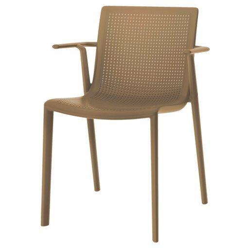 BEEKAT ARMCHAIR Chaise avec accoudoirs, adaptée pour l'extérieur, en fibre de verre avec polypropylène via une technologie de moulage assisté par gaz. Empilable, protection UV.