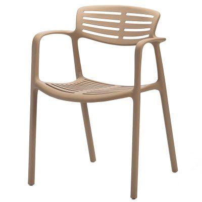 TOLEDO Chaise fabriquée en une seule pièce de polypropylène. Son large choix de couleurs, son poids léger et ses forts attributs en font une pièce intemporelle qui peut parfaitement s'intégrer dans tous types d'espaces, résidentiels, contract, intérieur ou extérieur. Empilable.