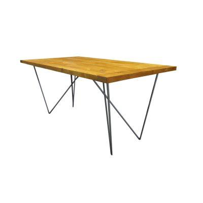 TENSION Table de style industriel avec structure en tube d'acier, plateau en bois. Fabrication sur mesure en Espagne.
