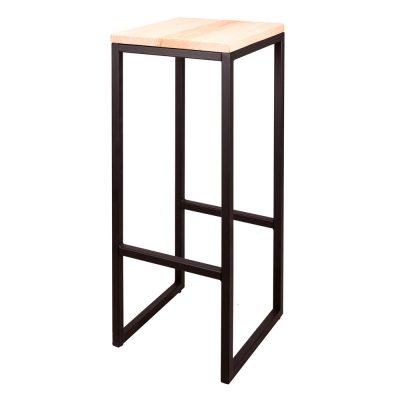 TOWN BLACK Tabouret haut de style vintage, structure en fer avec repose-pieds, assise en bois. Personnalisable avec un supplément.