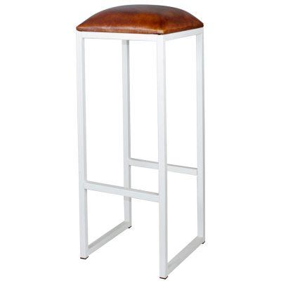 COUNCIL WHITE Tabouret haut de style vintage, structure en fer avec repose-pieds, assise en cuir de chèvre. Personnalisable avec supplément.