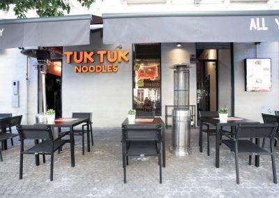 mister-wils-architecture-interieur-tuk-tuk-noodles-sevilla-1