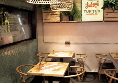 mister-wils-architecture-interieur-tuk-tuk-noodles-sevilla-4