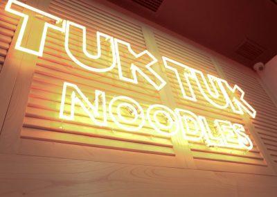mister-wils-architecture-interieur-tuk-tuk-noodles-sevilla-5