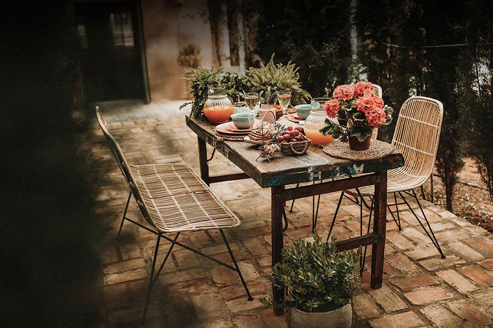 Chez Mister Wils en plus de créer des meubles, nous disposons aussi d'une équipe d'architectes d'intérieurs spécialisés dans la décoration de restaurants...