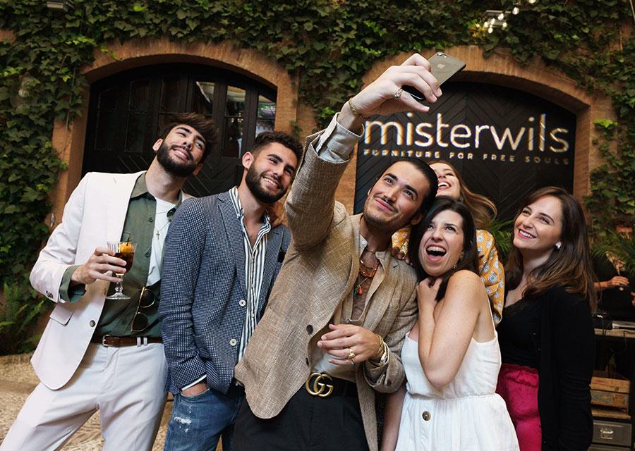 On parle de MisterWils! Voici ce que disent de nous les revues déco. Il est possible que vous ayez déjà entendu parlé de nous, ou bien que vous ayez lu...