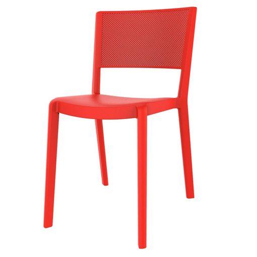 SPOT Chaise fabriquée en polypropylène, adaptée pour un usage intérieur ou extérieur. Protection anti-UV. Empilable. Dimensions: 54x45x78 cm. Couleurs disponibles: sable, bleu, blanc, marron, gris, rouge, vert.