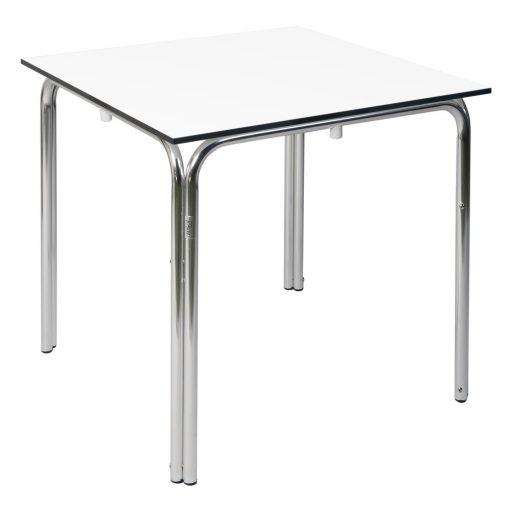 RAYA3 Table carrée pour l'extérieur. Structure en aluminium brilant, plateau en compact phénolique. Empilable.