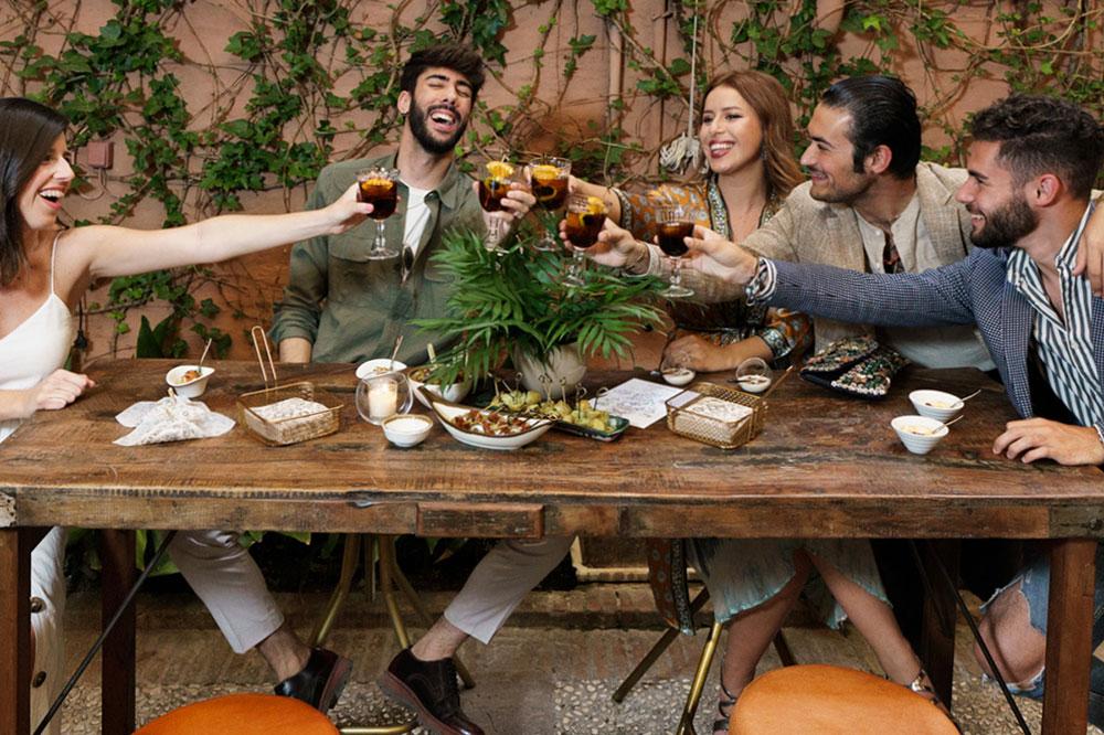 Blog de MisterWils - Restaurants: les 5 clés pour que vos clients viennent et reviennent. Notre équipe d'architectes d'intérieur vous livrent les 5 clés pour créer des espaces qui donnent envie de venir et de revenir. Découvrez ici les conseils qui feront parler de votre restaurant.