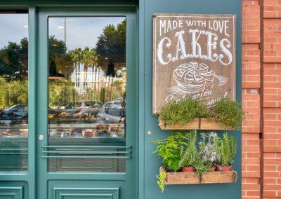 Sweet Bakery, l'artisan pâtissier anglais, par MisterWils, furniture for free souls, vintage, scandinave, sofas, chaises, tabourets, canapés, tables...