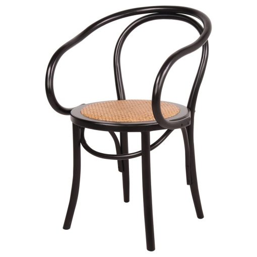 DESMOND BLACK Chaise de style bistrot avec accoudoirs en bois de hêtre. Finition peinture powder coated. Assise en rotin naturel.Dimensions: 53x46x85 cm