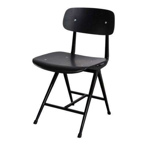 REVOLT BLACK Chaise de structure métallique avec finition peinture, assise et dossier en bois finition noire. Trouvez-là ches MisterWils.