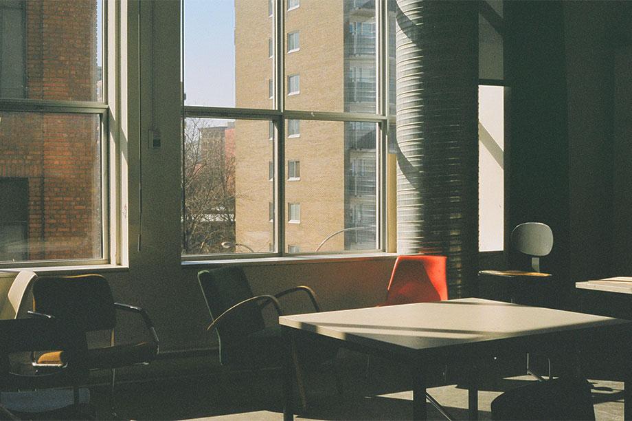 Les dernières chaises à la mode pour passer au style Scandinave | MisterWils, furniture for free souls, vintage, scandinave, industriel...