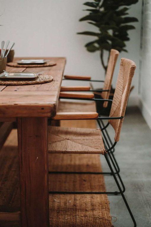 MISURI BIG Table de style rustique vintage fabriquée en bois de pin recyclé | Trouvez-la chez Mister Wils. Plus de 4000m² d'exposition. Buffets, étagères, luminaires, tables, chaises, canapés et banquettes, tabourets, ventilateurs, plantes artificielles...