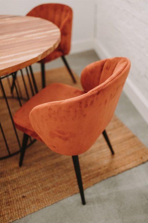 INSIDE TERRACOTA Chaise de style Mid Century avec structure en acier | Trouvez-le chez Mister Wils. Plus de 4000m² d'exposition. Buffets, étagères, luminaires, tables, chaises, canapés et banquettes, tabourets, ventilateurs, plantes artificielles...