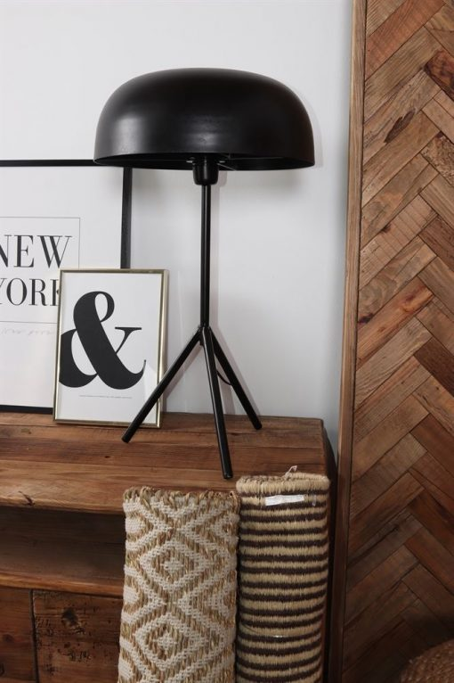 BABILONIA Lampe de table de style Mid Century / Contemporain fabriquée en acier. Finition peinture powder coated noire.Culot E27. Max 60W.Dimensions: Ø37×66,5 cm