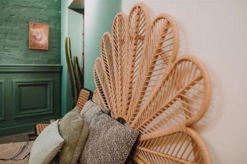 TÊTE DE LIT PETAL de style ethnique-exotique en bambou | Trouvez-la chez MisterWils. Plus de 4000m² d'exposition. 4