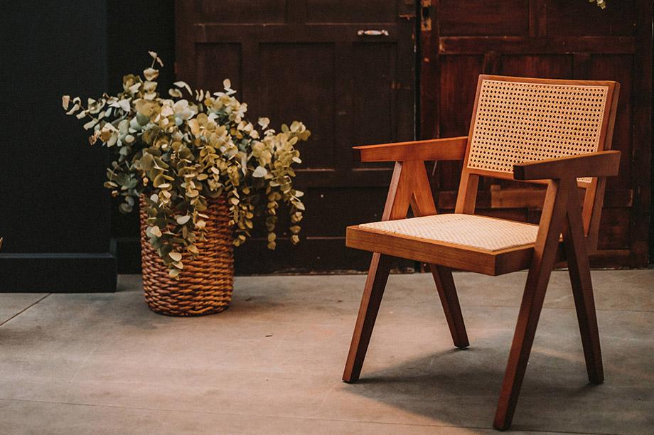 L'histoire fascinante de la chaise Chandigarh que l'on voit partout. Les Kardashian en ont plein leur salon. Vous voulez en savoir plus?