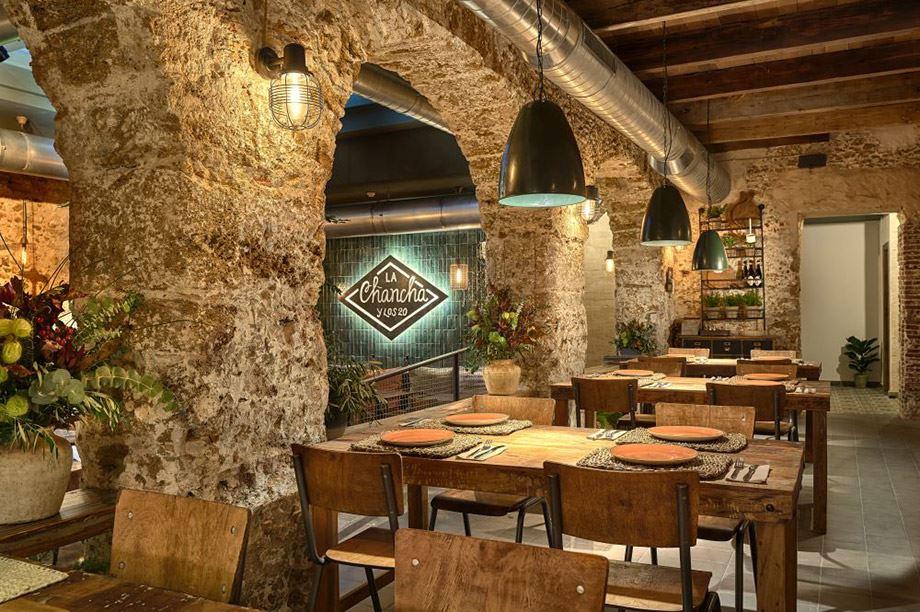 Lampes de plafond et appliques parfaites pour un restaurant