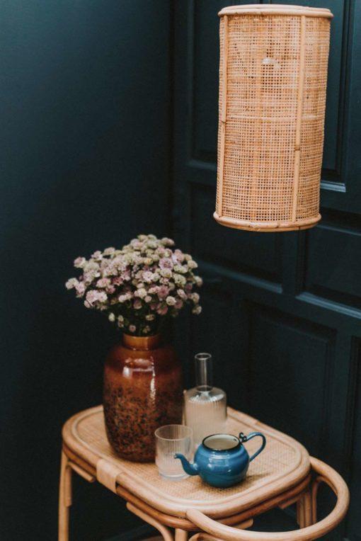 OLIVER MINI Lampe plafonnier de style ethnique en rotin naturel | Trouvez-la chez Mister Wils. Plus de 4000m² d'exposition. Buffets, étagères, luminaires, tables, chaises, canapés et banquettes, tabourets, ventilateurs, plantes artificielles...
