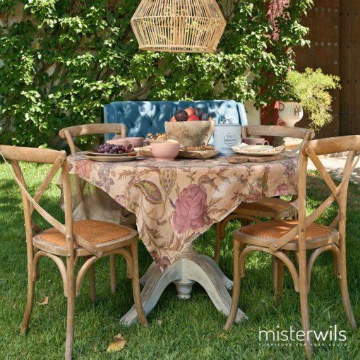 SASHA ROBLE Chaise de style bistrot, structure en bois de hêtre, assise cousin en fibres naturelles. Dimensions: 44x44x89cm. Hauteur d'assise 46cm.