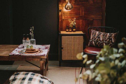 COFFEE Table basse en bois récupéré style vintage/industriel. Pliable.| Trouvez-la chez Mister Wils. Plus de 4000m² d'exposition. Buffets, étagères, luminaires, tables, chaises, canapés et banquettes, tabourets, ventilateurs, plantes artificielles...