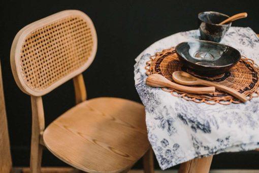 SIENA Tabouret fabriqué en bois d'orme, assise en contreplaqué | Trouvez-le chez Mister Wils. Plus de 4000m² d'exposition. Buffets, étagères, luminaires, tables, chaises, canapés et banquettes, tabourets, ventilateurs, plantes artificielles...