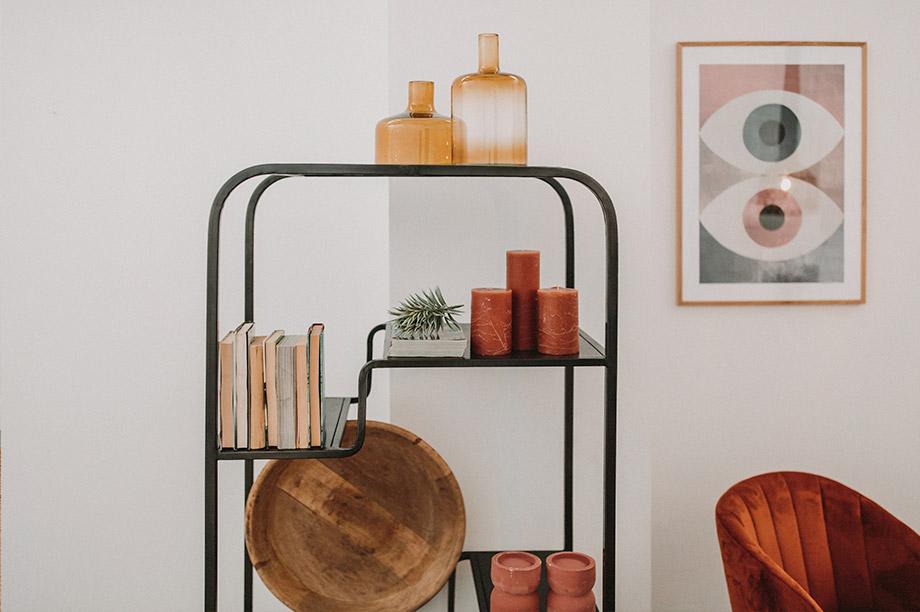 La tendance des open shelving nous incite à nous séparer des grands meubles encombrants et à les remplacer par des étagères ouvertes.