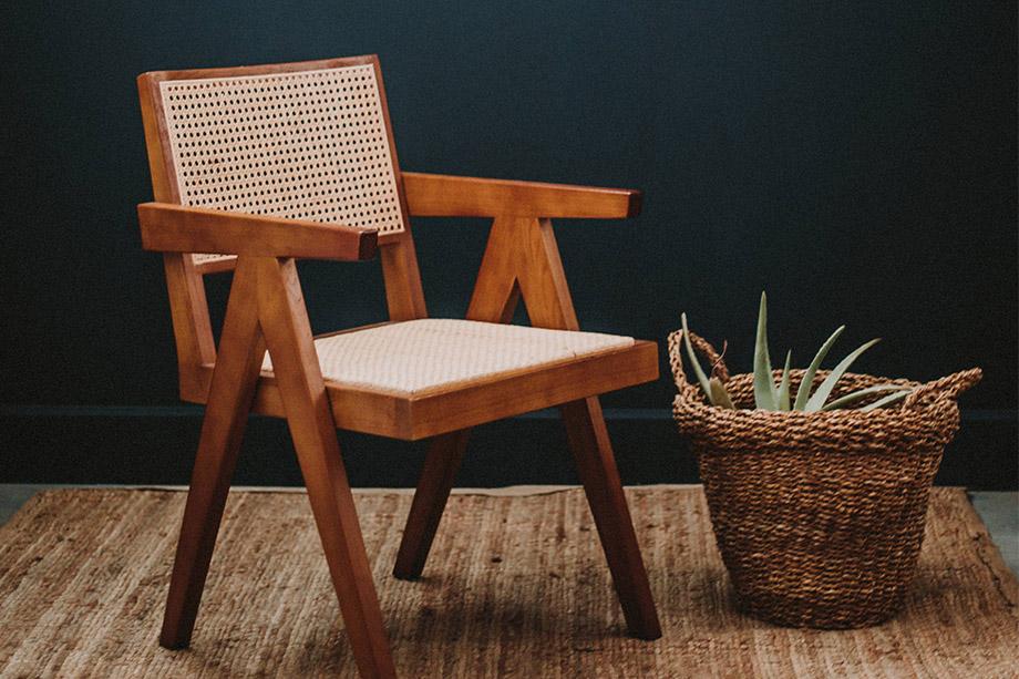 Les chaises en bois et métal les plus emblématiques du style Mid Century