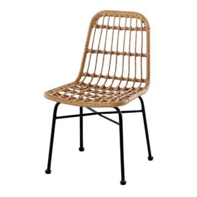 BRASSY Chaise de style Scandinave avec structure en tubes d'acier, finition peinture powder coated. Assise et dossier en rotin synthétique.
