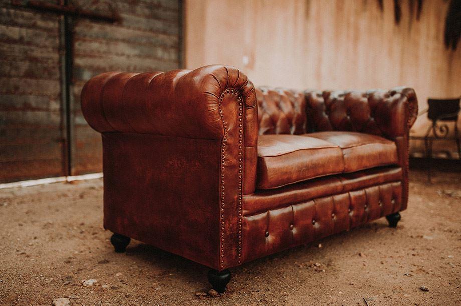 Le canapé capitonné Chester toujours à la mode