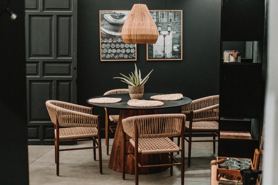 Les tables rondes en bois qui s'adaptent le mieux dans votre maison