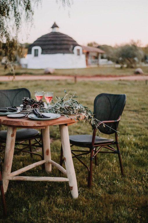 DUBAI Chaise de style Bistrot avec structure en tubes d'aluminium, finition imitation bambou, assise et dossier tapissés en textilène.