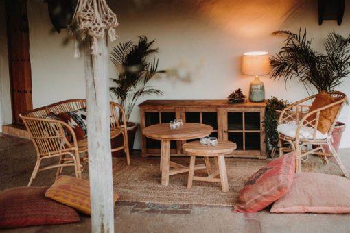 INGO Table auxiliaire fabriquée en bois de teck. Structure et plateau en bois | Trouvez-la chez Mister Wils. Plus de 4000m² d'exposition.