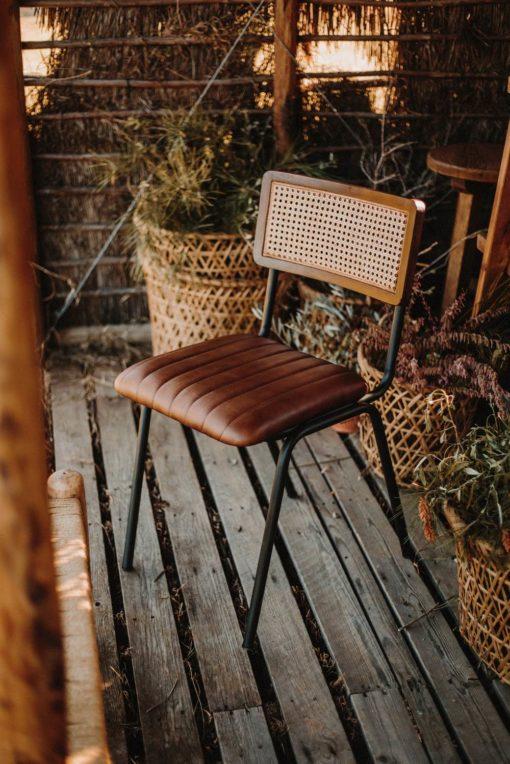 VANCOUVER Chaise de style Industriel - Vintage avec structure en tubes d'acier, finition peinture powder coated   Trouvez-la chez MisterWils.