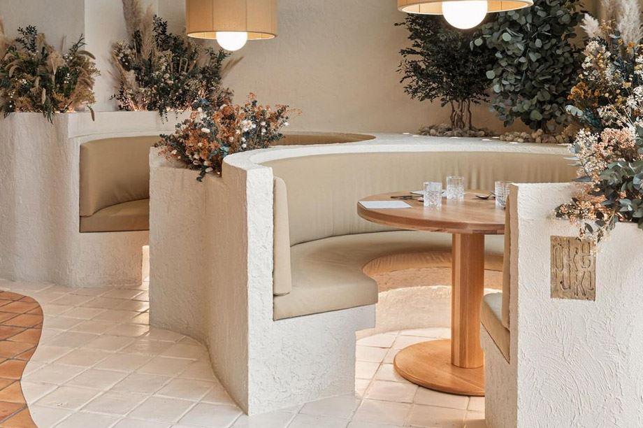 3. Mesa de restaurante redonda y 'al natural'