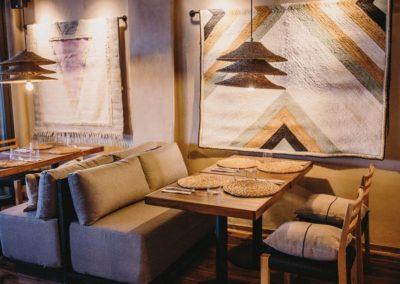 Amarola est le nouveau concept gastronomique créé par le chef Alejandro Alcántara dans une ambiance parfaite en bord de mer.1