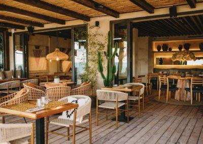 Amarola est le nouveau concept gastronomique créé par le chef Alejandro Alcántara dans une ambiance parfaite en bord de mer.13