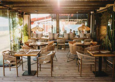 Amarola est le nouveau concept gastronomique créé par le chef Alejandro Alcántara dans une ambiance parfaite en bord de mer.14