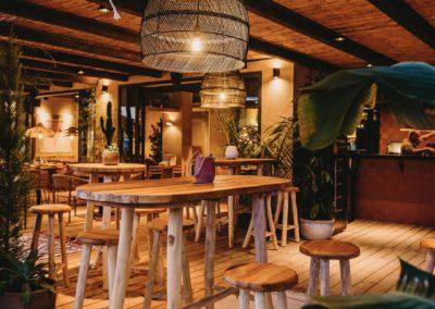 Amarola est le nouveau concept gastronomique créé par le chef Alejandro Alcántara dans une ambiance parfaite en bord de mer.19