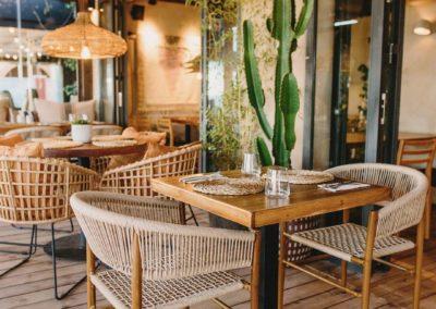 Amarola est le nouveau concept gastronomique créé par le chef Alejandro Alcántara dans une ambiance parfaite en bord de mer.21