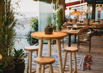 Amarola est le nouveau concept gastronomique créé par le chef Alejandro Alcántara dans une ambiance parfaite en bord de mer.5