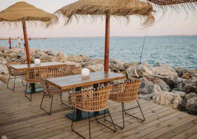 Amarola est le nouveau concept gastronomique créé par le chef Alejandro Alcántara dans une ambiance parfaite en bord de mer.7