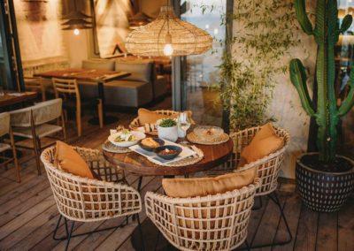 Amarola est le nouveau concept gastronomique créé par le chef Alejandro Alcántara dans une ambiance parfaite en bord de mer.8