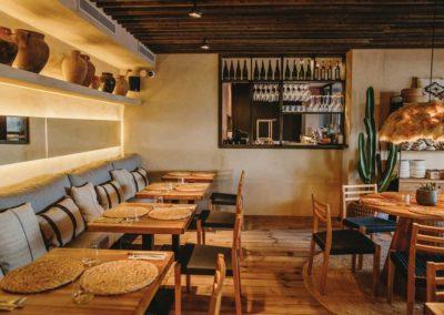 Amarola est le nouveau concept gastronomique créé par le chef Alejandro Alcántara dans une ambiance parfaite en bord de mer.9