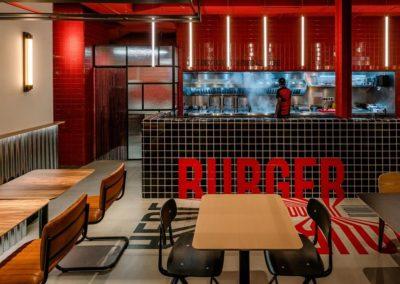 Le restaurant Frankie's Burger Bar a ouvert ses portes dans le centre de Valence | MisterWils. Plus de 4000m² d'exposition...5