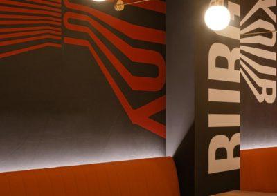 Le restaurant Frankie's Burger Bar a ouvert ses portes dans le centre de Valence | MisterWils. Plus de 4000m² d'exposition...2